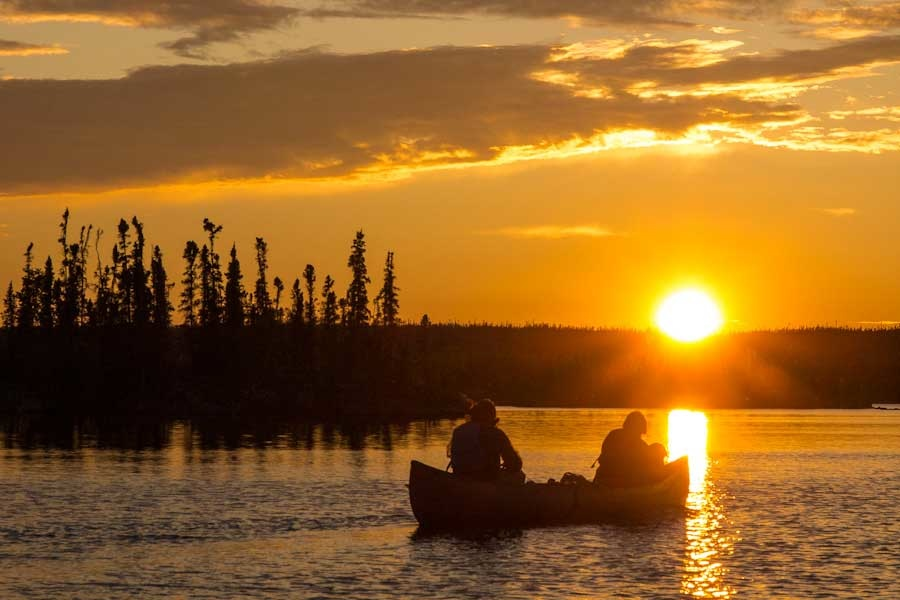 Midnight Sun Canoeing at Namushka Lodge